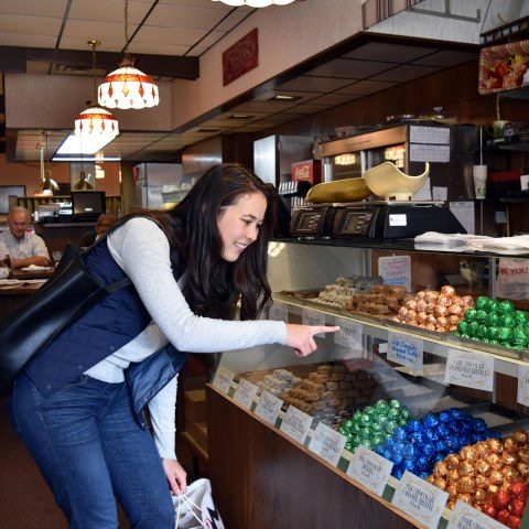 Costas Candies and Restaurant_Katie Godfrey_2016 (75)